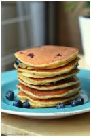 Foodporn: Blueberry and greek yogurt pancakes by Persephine