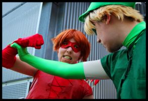 Green and Red Arrow arguing by Lakonnia