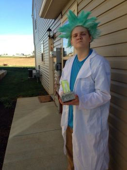 Rick Sanchez (Rick and Morty) Cosplay by TheAngryBirdKing