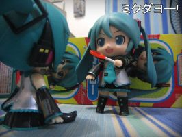 MikuDayo~! 2 by faTWave