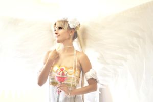 Neo Queen Serenity Cosplay ^^ by usagi999