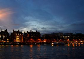 December afternoon on Thames by aria25