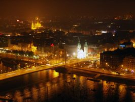 Budapest night by knifeofdreams