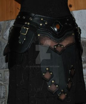 leather armor belt assy by Lagueuse