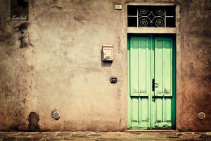 Ghost town, sparkling door by Soeky148