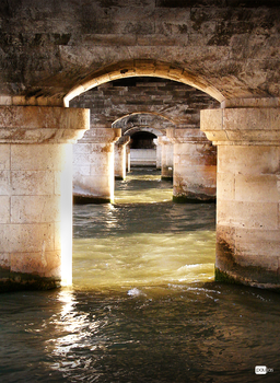 under the bridge by paujas