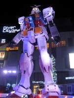 Gundam Night Shot by yapi