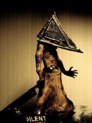 Silent Hill Shattered Memories Silent_hill_pyramid_head_by_Fabreeze
