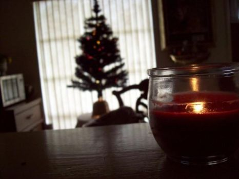 Christmas candle by omiemyhomie