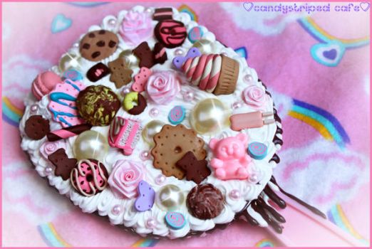 Large Kawaii Deco Mirror by CandyStripedCafe
