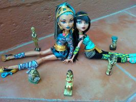 De Nile Sisters by MHEdelRock