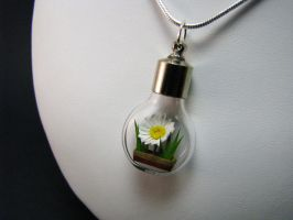 Miniature Origami Daisy Necklace by Paper-Peaches