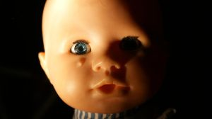 Crying doll 3 by Pralline