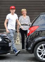 Niall and his mum by 1Dzaynharry