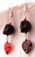 skull and heart earrings by artefaccio