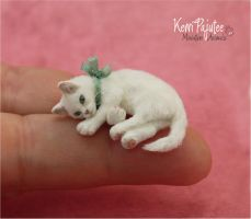 Miniature 1:12 Kitten Cat sculpture by Pajutee