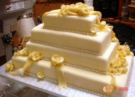 My second wedding cake... by buttercreamfantasies