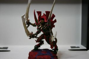 Tyranid Swarmlord by Aerzaal