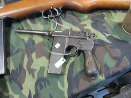 Mauser C-96 model 712 by 4WD