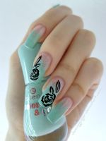 Gradiant Mint Black Rose Nails by DancingGinger