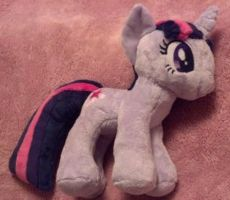 GIVEAWAY ~ Twilight Sparkle Plush by Lunarchik13