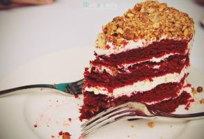 Red Velvet Cake with Nuts Crumble by whocaresme