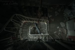 Trapped in a suicidal dream by Cirell100