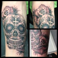 black and grey candy skull by Drewgovan