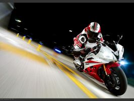 Yamaha YZF R6 in action by LoveTheSilence