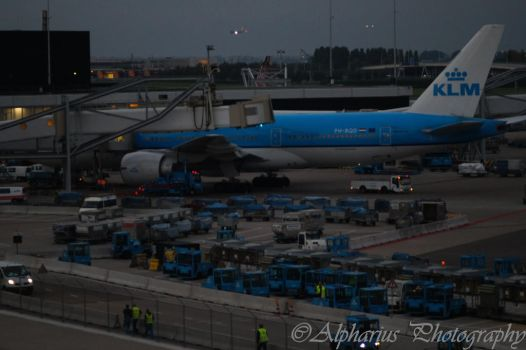 Schiphol Airport 4 by Alpharius-Omegon