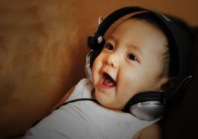 hearing iPod by indrariy