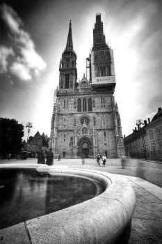 Zagreb Cathedral by DanielZrno