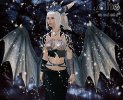 Ice dragon queen by Faeini