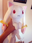 Holdable Kyubey by LordBoop