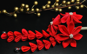 Red Romance. Silk Kanzashi. by hanatsukuri