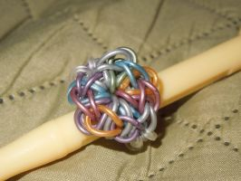 Rainbow Loom: Ring by Culinary-Alchemist