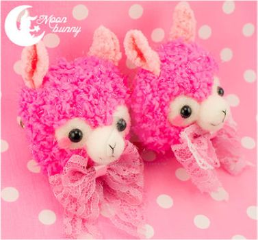 Crochet sweety llama Brooch and Hairclip by CuteMoonbunny