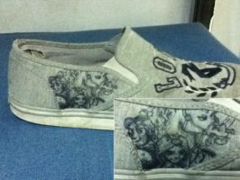 Drawing on my ripped up shoe by kkcooly