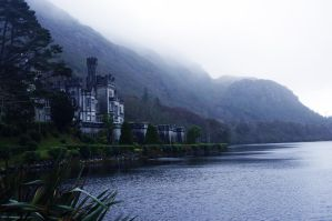 Kylemore Abbey, Co. Galway by CleaLlyfr