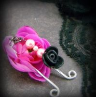 Pink Pearls and a Black Rose: Sweet Vulva Clip by VulvaLoveLovely