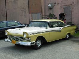 1957 Ford Fairlane 500 by rlkitterman