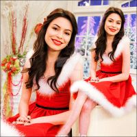 Miranda Cosgrove.Display.5 by SoNaturallySG