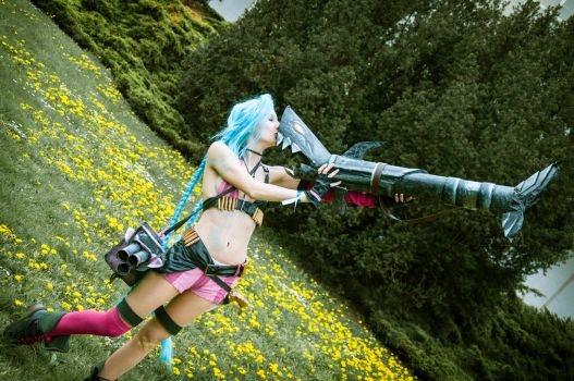 Jinx (League of Legends) cosplay by Martush