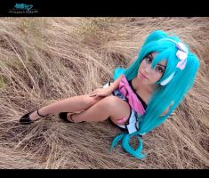Hatsune Miku - Up above by MiayahMilles