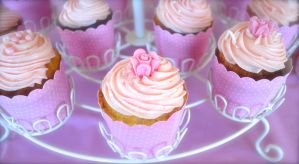 cupcaaaaakes by louiseloll