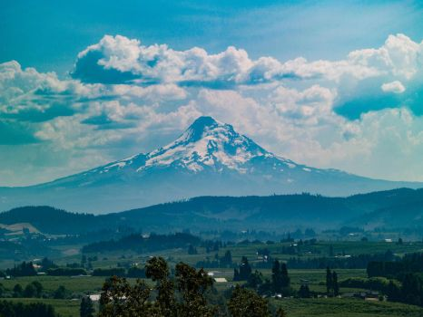 Mt. Hood by ArcaneEcho