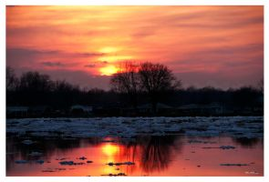 Sunset 040111 by PeterDeBurger