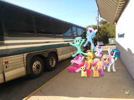 Group photo by the Bus by OJhat