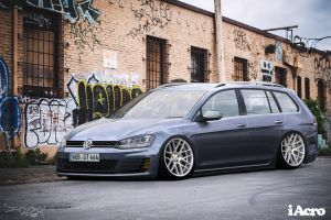 Volkswagen Golf Tsi by IVtuner