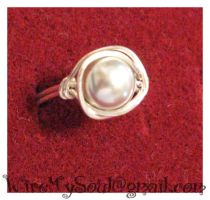 Grey Pearl Ring by WireMySoul